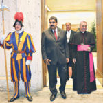 """Handout picture released by the Venezuelan presidency showing Venezuelan President Nicolas Maduro (2-L) heading for a meeting with Pope Francis at the Vatican on October 24, 2016. Venezuela's socialist government and the opposition aim to open talks on October 30 to resolve the political crisis in the volatile nation, a Vatican envoy said on Monday. Pope Francis granted Venezuelan President Nicolas Maduro a surprise private audience at the Vatican in the midst of a deep political crisis in the South American country. / AFP PHOTO / Venezuelan Presidency / Marcelo GARCIA / RESTRICTED TO EDITORIAL USE - MANDATORY CREDIT """"AFP PHOTO / VENEZUELAN PRESIDENCY / MARCELO GARCIA / HO """" - NO MARKETING NO ADVERTISING CAMPAIGNS - DISTRIBUTED AS A SERVICE TO CLIENTS"""